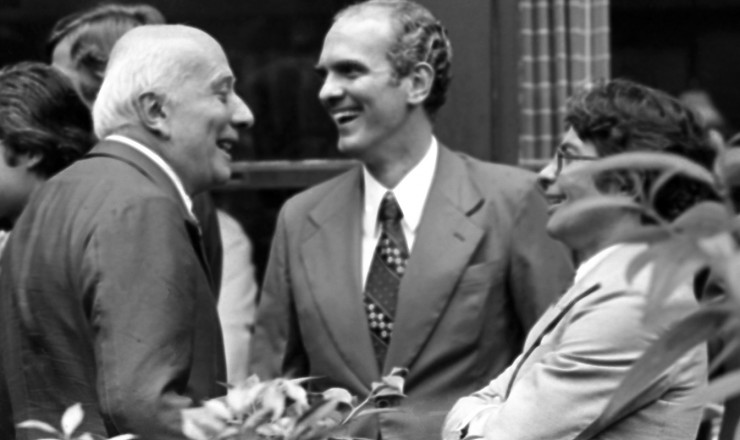 <strong> Ulysses Guimar&atilde;es</strong> comemora a vit&oacute;ria eleitoral com Saturnino Braga (ao centro)