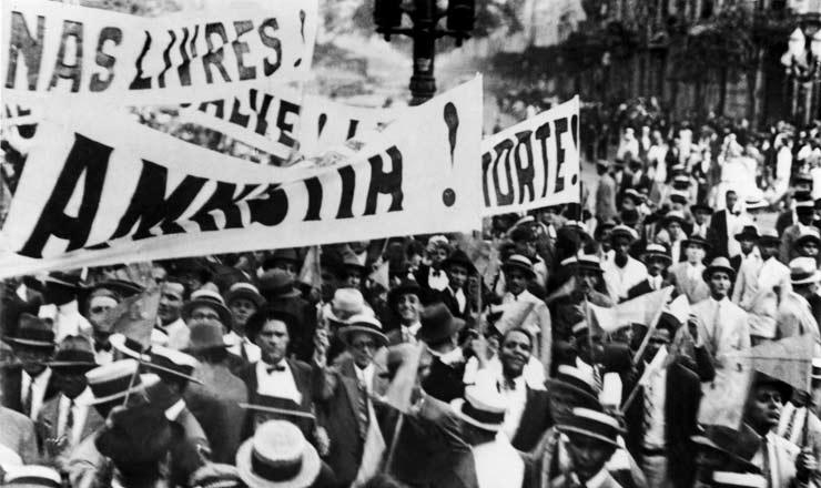 <strong> Campanha da Alian&ccedil;a Liberal ocupa </strong> as ruas do&nbsp;Rio de Janeiro em 1929