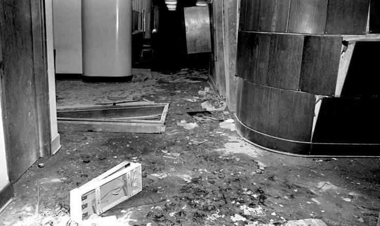 <strong> Interior do pr&eacute;dio da ABI </strong> ap&oacute;s atentado a bomba que destruiu o 7&ordm; andar da sede da institui&ccedil;&atilde;o